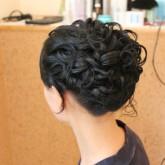Высокая прическа на средние волосы