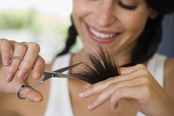 Стричь ли волосы при беременности?