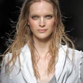 Эффект мокрых волос будет хитом весенне-летнего сезона
