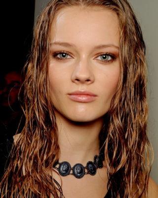 Такой эффект на волосах поможет создать стильный образ