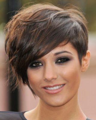 Стрижки на короткие волосы с удлинением вперед