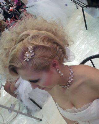 Свадебная прическа холодная волна