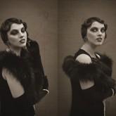 Фото классики 20-х годов в двух ракурсах.