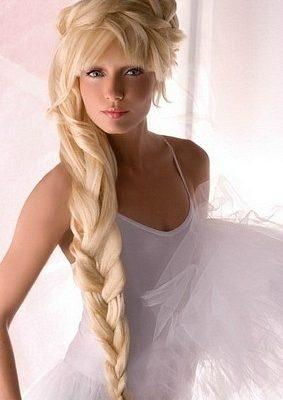Огромная свадебная коса набок