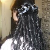 Прическа на распушенные волосы с лентами