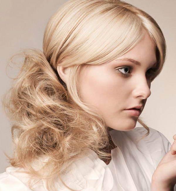 Фото прически на светлых волосах. Вид сбоку.