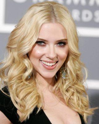 Блистательный образ блондинки Скарлетт