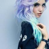 Волосы, окрашенные в яркий цвет, требуют особенного ухода