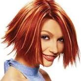 Светлые пряди на рыжих волосах смотрятся особенно интересно
