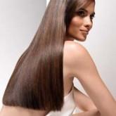 Ровная длина ярко выделяется на здоровых волосах