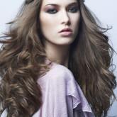 Красивые косы вместо классической повязки выглядят оригинально