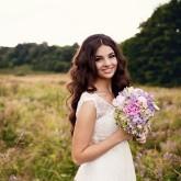 Каждая девушка подобно букету цветов, распускается весной