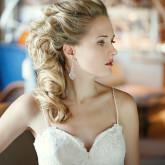 Накладные волосы сделают прическу неотразимой даже на коротких волосах