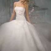 Сказочная прическа для сказочно красивого платья