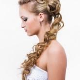 Накладные пряди подойдут даже для коротких волос