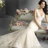 Изящно уложенные набок локоны идеальный вариант на свадьбу