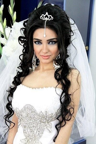 прически на длинные волосы свадебные азербайджанские