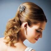 Изящная свадебная прическа в стиле винтаж