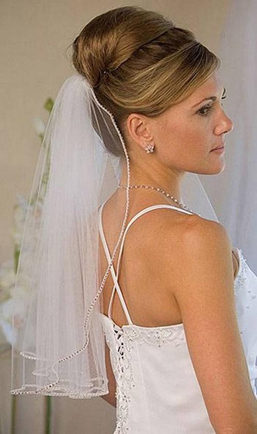 свадебные прически на длинные собранные волосы с фатой фото 2011