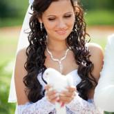 Превсходная свадебная прическа с фатой