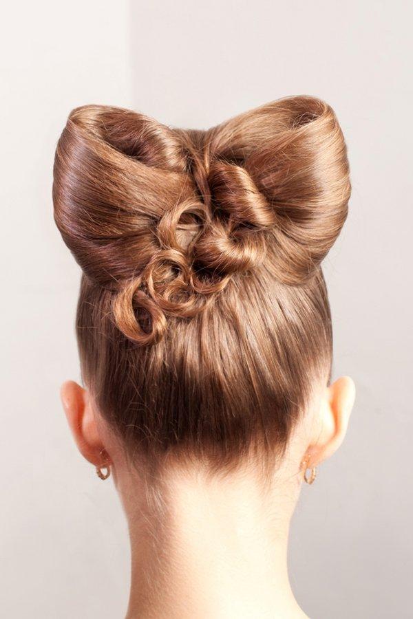 время картинки как делать из волос бантик на голове того