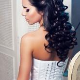 Свадебная прическа мальвинка на распущенных волосах