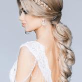 Романтичная прическа для красивой невесты