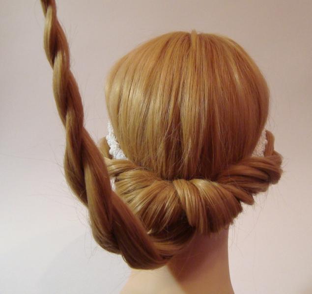 Греческая прическа на средние волосы с повязкой фото