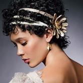 Прическа с ободками на короткие волосы