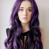 Темно лиловые длинные волосы