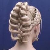Оригинальная коса для вечернего образа