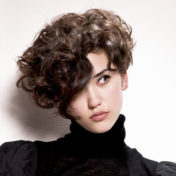 Укладки на вьющиеся волосы