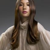 Интересный каскадный образ длинных волос