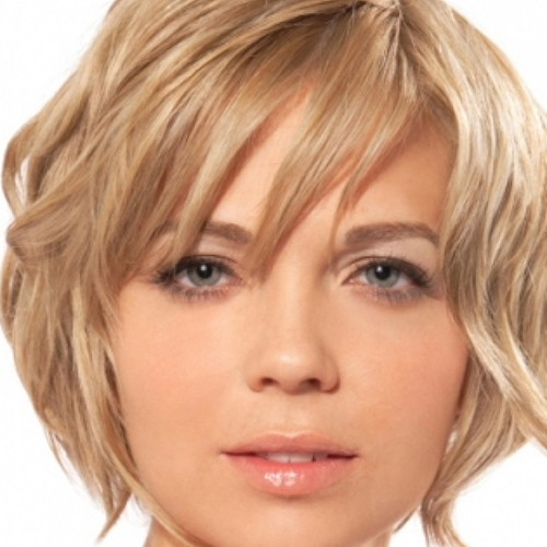 Short-Hairstyles-For-Round-Faces-and-Thin-Hair-thumb