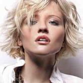 Стрижка каприз на волнистых волосах