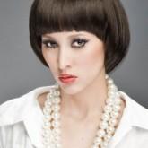 Элегантная прическа на короткие волосы