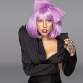 Невероятный образ с ярко-фиолетовыми волосами