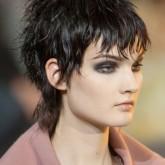 Стильная стрижка на короткие волосы