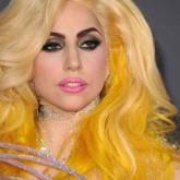 Яркий цвет волос в желтых оттенках