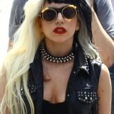 Черно-белое окрашивание на длинные волосы Леди Гаги