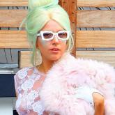 Интересный цвет волос Леди Гаги
