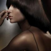 Изящная стрижка на средних волосах