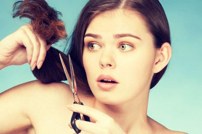 Почему секутся кончики волос и что делать?