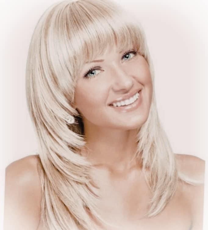 Стрижка лесенка фото на средние волосы